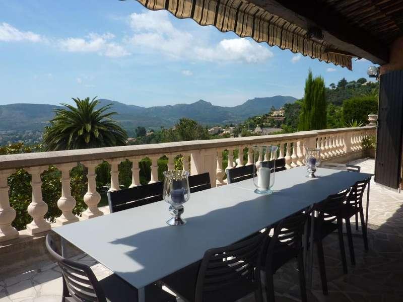 Location vacances mandelieu villa louer 10 personnes for Villa louer vacances